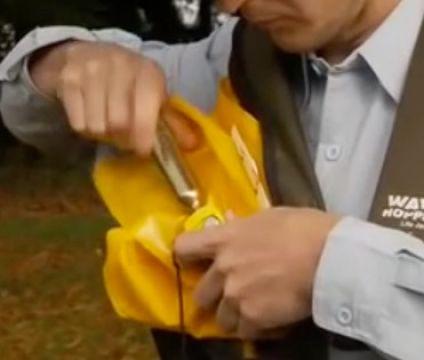 Wavehopper Collar Style Life Jacket Re-Arming 33g Cylinder