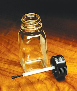 Varnish Applicator Glass Bottle With Applicator Brush